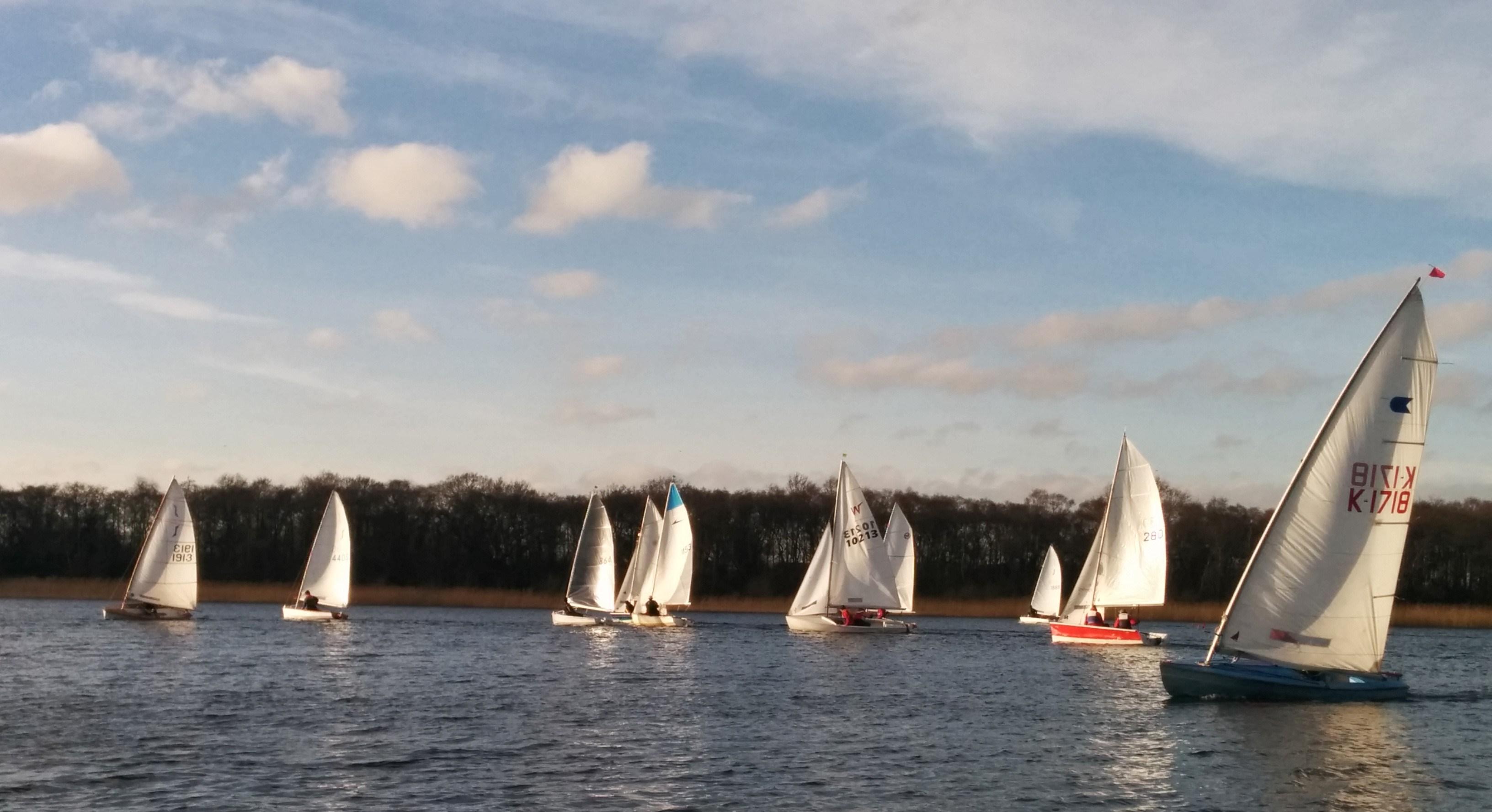 Race 2 start – 12 Jan 2014